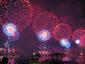 fireworks-lora-mitchell2